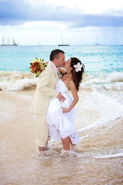 Una boda exótica a orillas del mar caribe...Un momento que no olvidarán por el resto de sus vidas. El entorno natural, rústico y exótico; o bien uno elegante, México lo tiene todo.