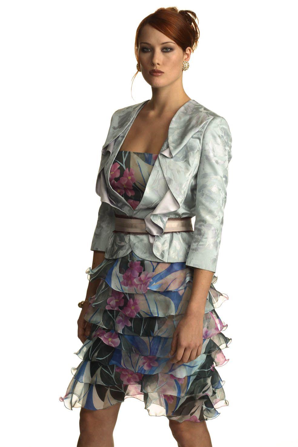 d2ea068dd067 abito a balze in chiffon disegno floreale completato da giacca fantasia in  shantung