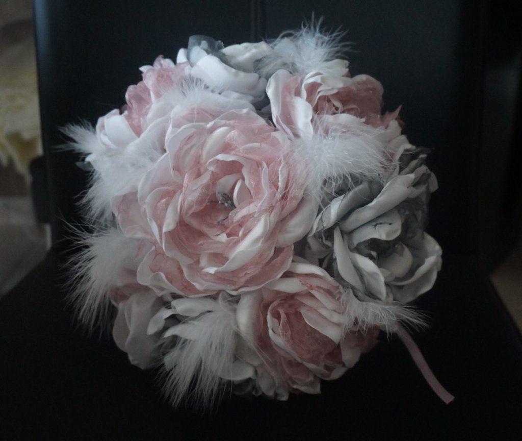 lafeecouturiere bouquets de mari e en tissu rose poudr e et gris plumes fleurs en tissu. Black Bedroom Furniture Sets. Home Design Ideas