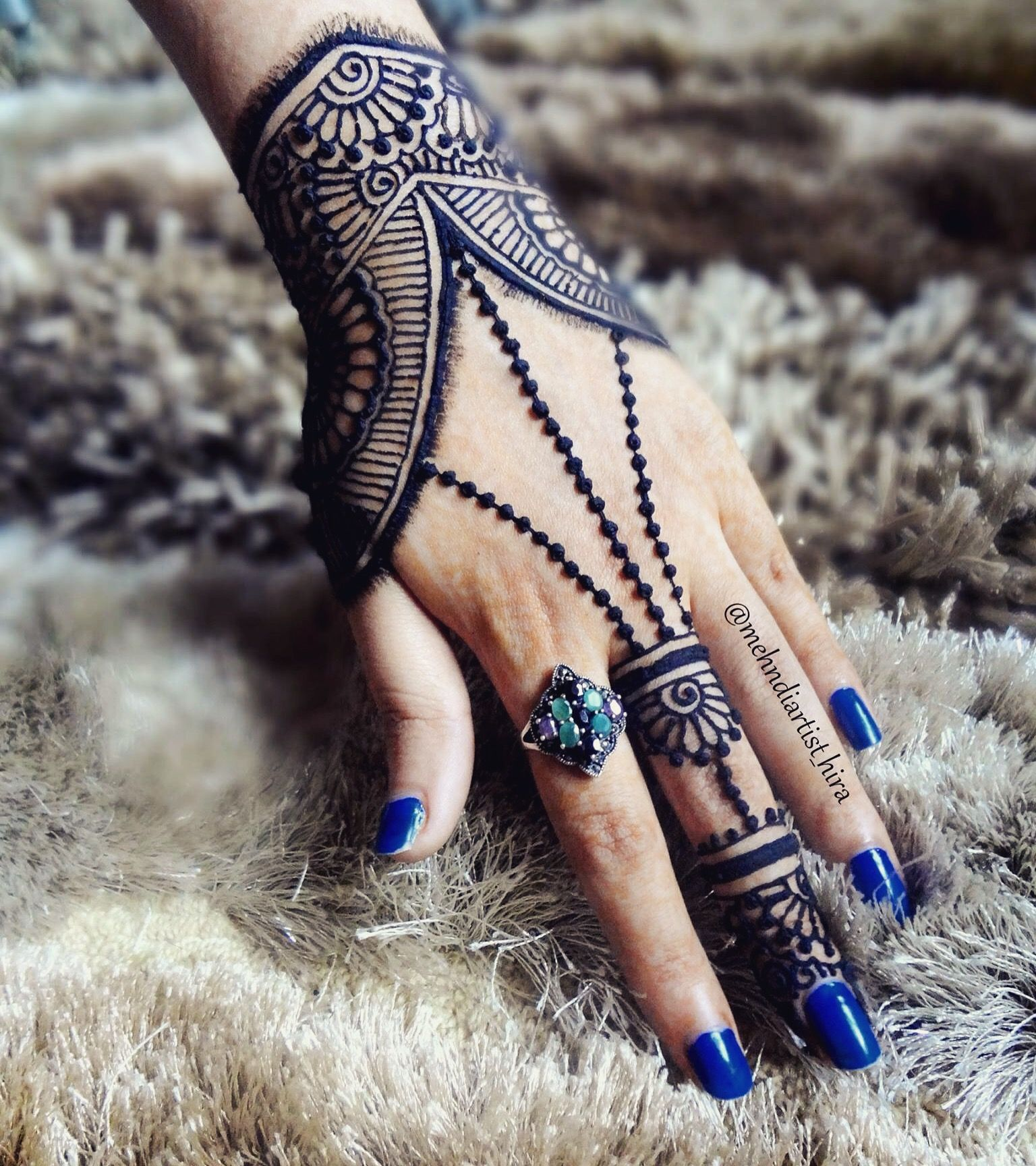 13 Unique Henna Designs Doing The Rounds This Wessing: Idea By Mehndiartist_hira On Henna Mehndi By @mehndiartist