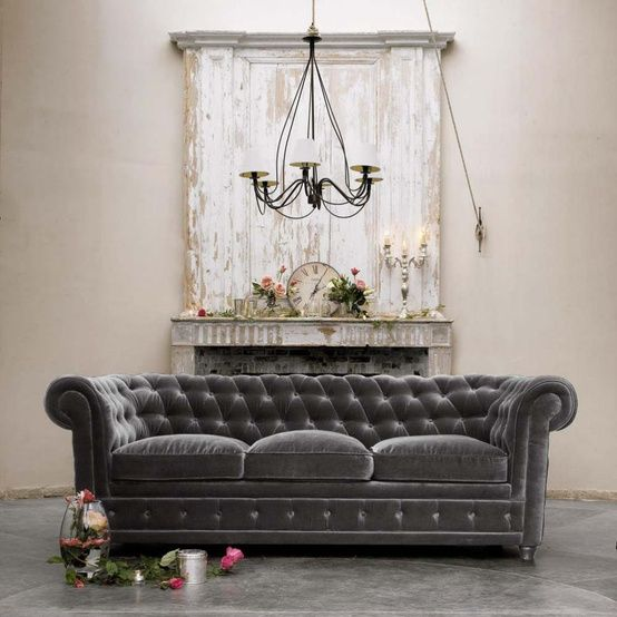 3-seat grey velvet sofa - Chesterfield