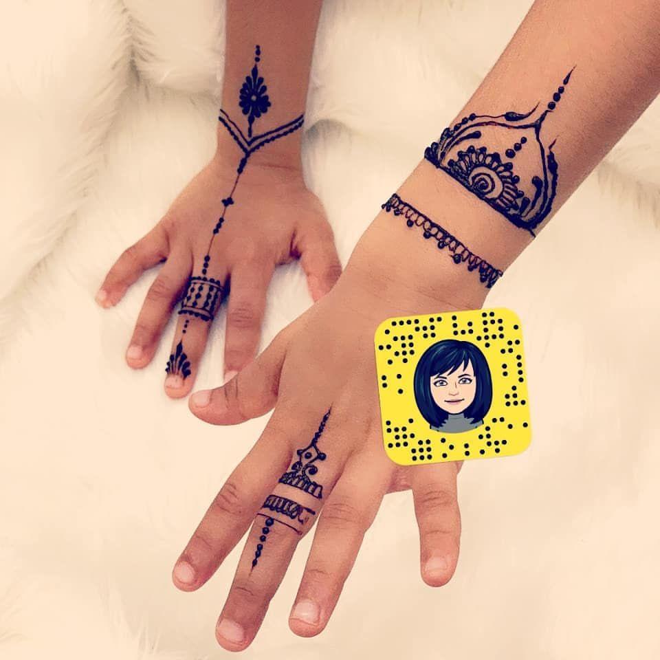 حنة عرايس جدة نقش تصوير عروسه نقاشات تلبز توصيل سناب حنايات حنايات جده نقشات Henna Hand Tattoo Hand Tattoos Hand Henna