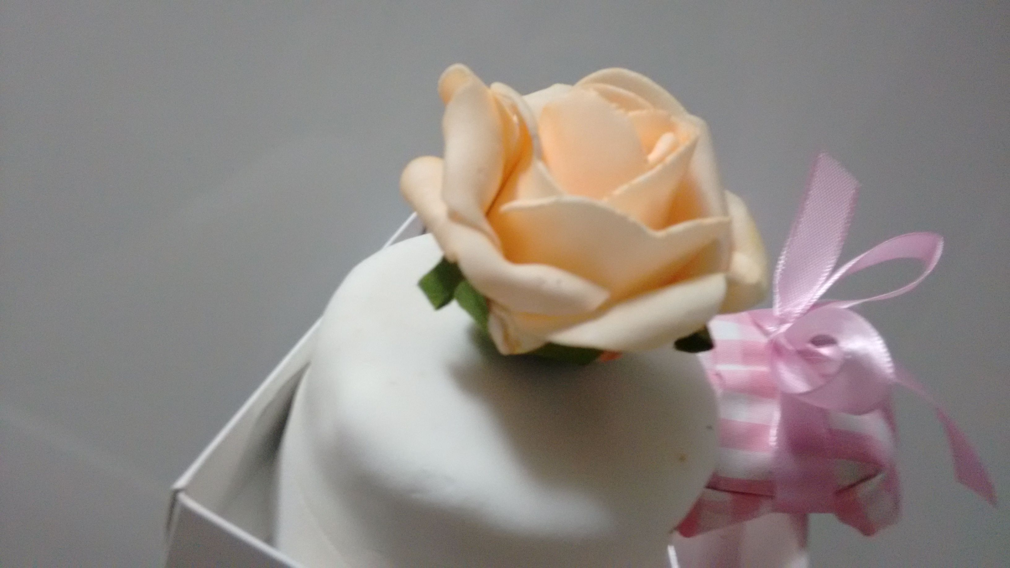 Nice wedding cake - this is a well-married cake? I don't know the difference between the sweets, but it was good.