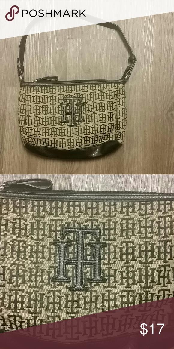 Tommy Hilfiger Handbag Small Tommy Hilfiger Handbag in great condition. Tommy Hilfiger Bags Shoulder Bags