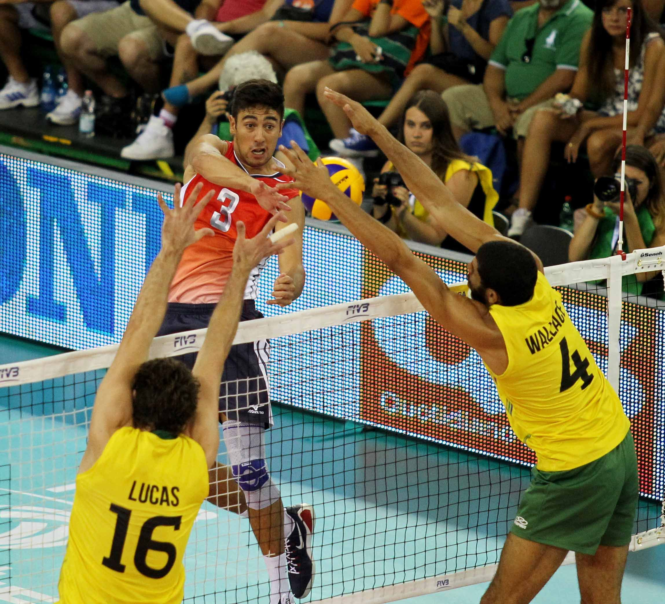 Taylor Sander Usa Mens Volleyball Team Games Volleyball