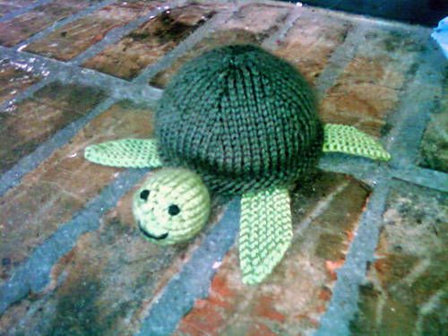 Free Amigurumi Sea Turtle Pattern : Tiny knit sea turtle free pattern cute things i want to make