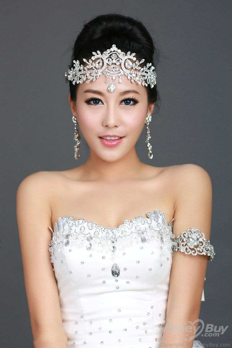 images for > sweet 16 hairstyles with tiara with medium hair