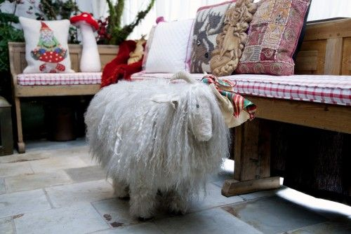 Astounding How Fun Is This Sheep Footstool Diy For The Nursery Diy Home Interior And Landscaping Spoatsignezvosmurscom