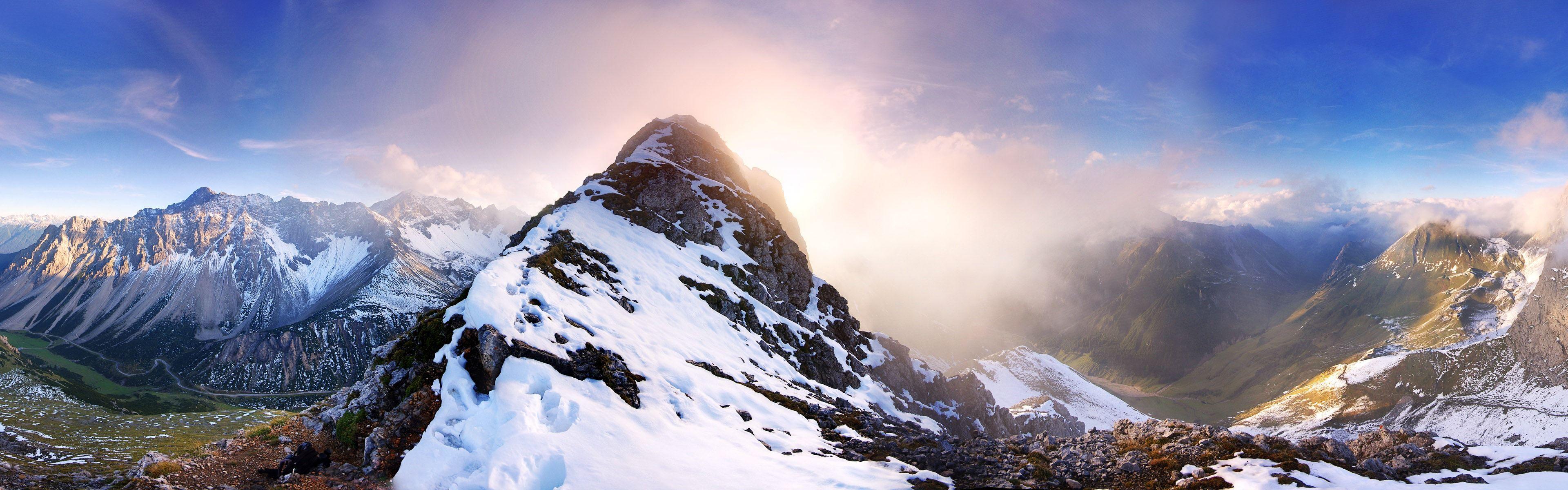 Windows 8 Fond D Ecran Officiel Panoramique Les Vagues Les Forets Les Montagnes Majestueuses 1 3840x1200 Foret Montagnes Fond Ecran