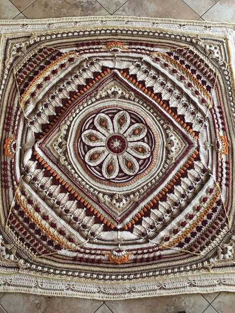 Mandala with flower and Sophie blanket | Squares | Pinterest ...