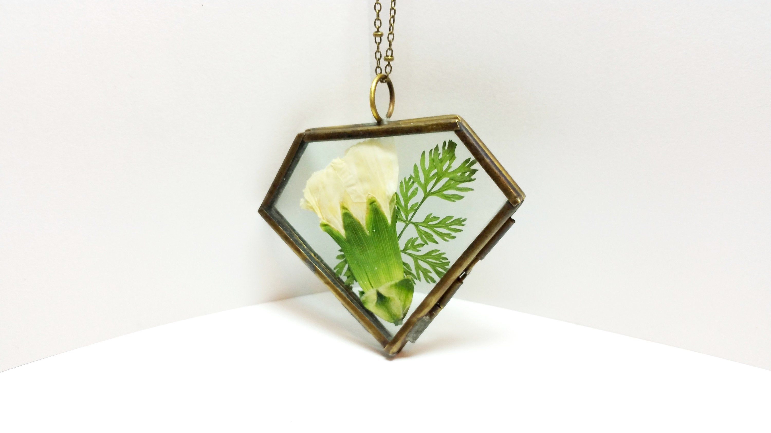 Birth flower necklace,January birth month necklace,real