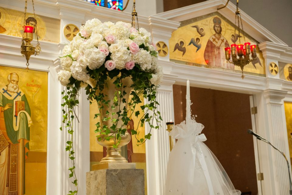 Soft Pedestal Arrangements Create A Beautiful Backdrop For You And Your Fiancé As Become Husband Wife Stapleton Fl Design