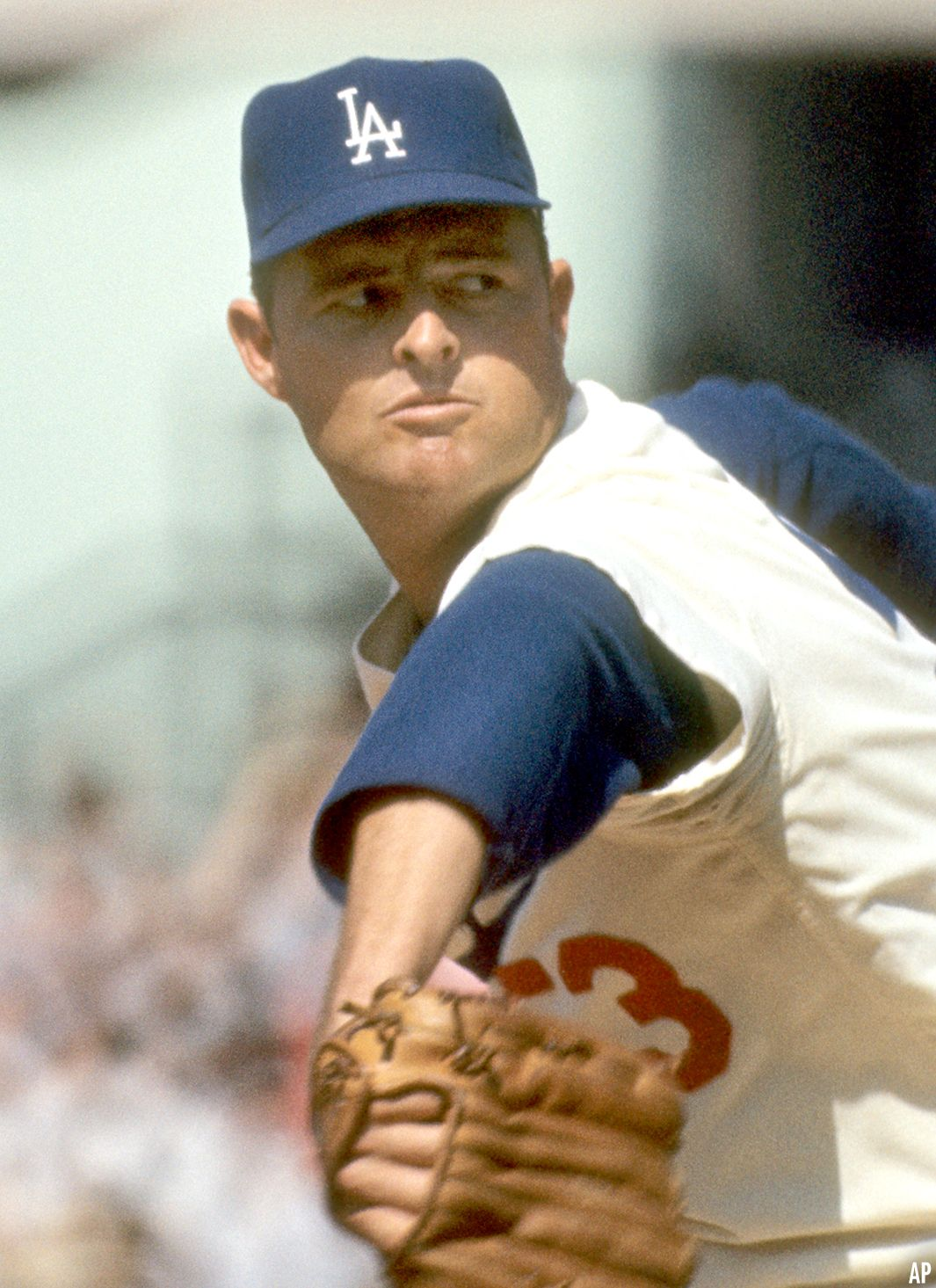 Photo of Fiery Don Drysdale Struck It Big With Power Pitching