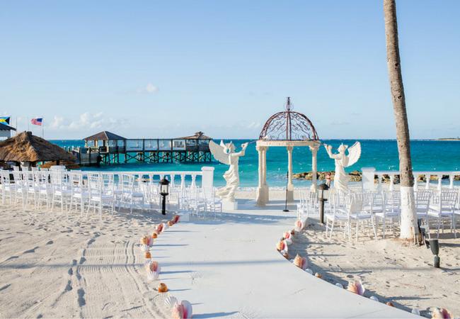 Sandals Real Wedding Sunny Dario Say I Do At Royal Bahamian Blog