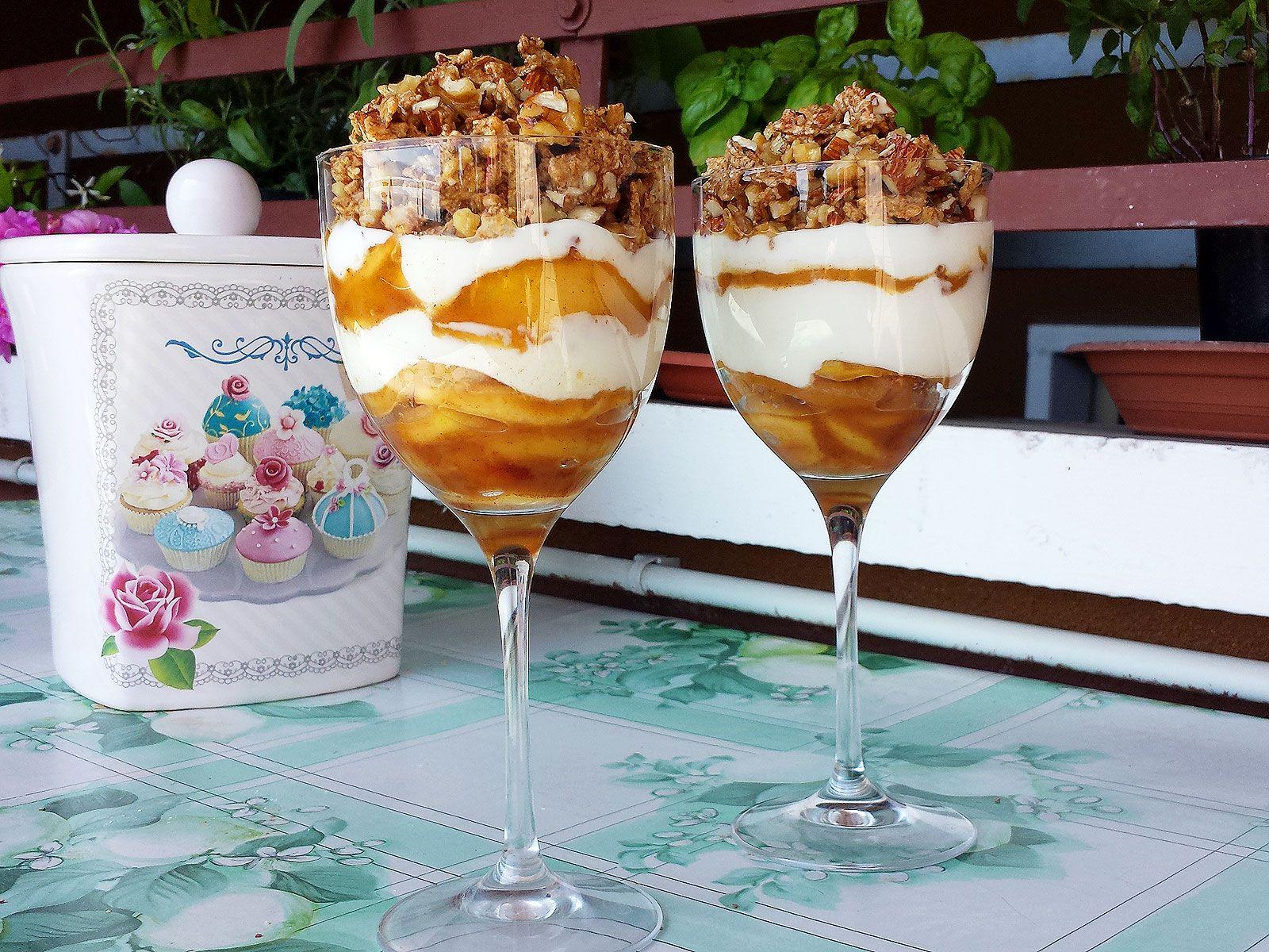 Pranzo Yogurt Magro : Un #dessert leggero composto da yogurt magro mele saltate e un