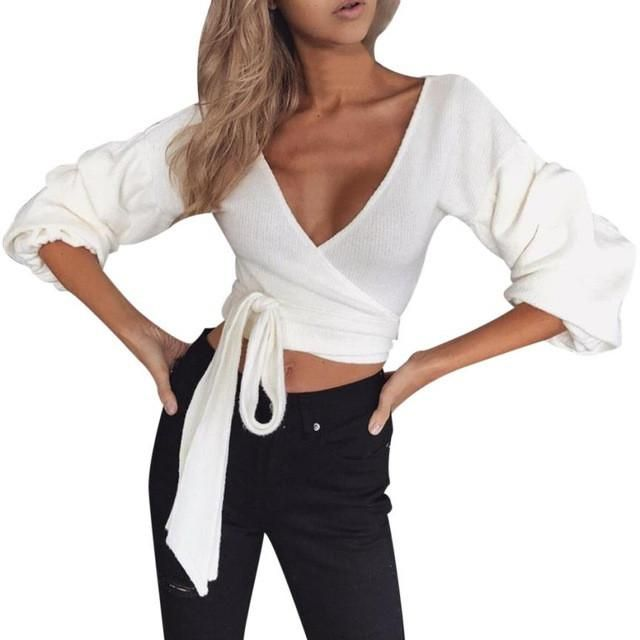 a3eaec7a2476 V-Neck Long Sleeve Solid Crop Top