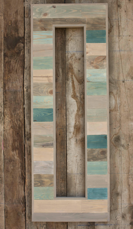 Marco realizado con madera reciclada marcos pinterest for Espejos de pared con marco de madera