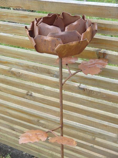 Maxi Rose, große Blume aus Edelrost, ca 1 m hoch von Little Things auf DaWanda.com
