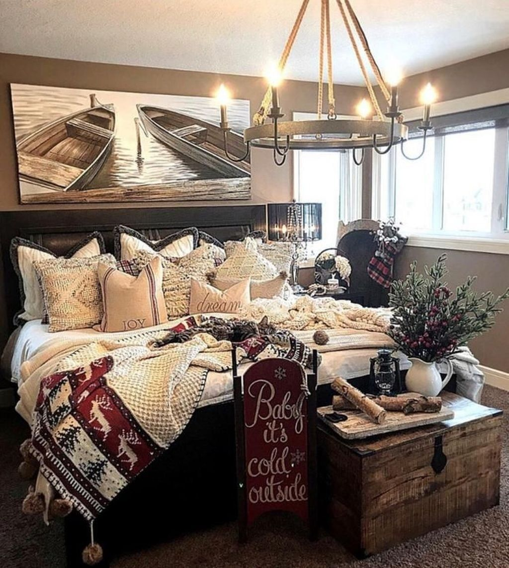 Amazing Rustic Lake House Bedroom Decoration Ideas 01 Cozy Master Bedroom Lakehouse Bedroom Rustic Master Bedroom #rustic #lake #house #living #room