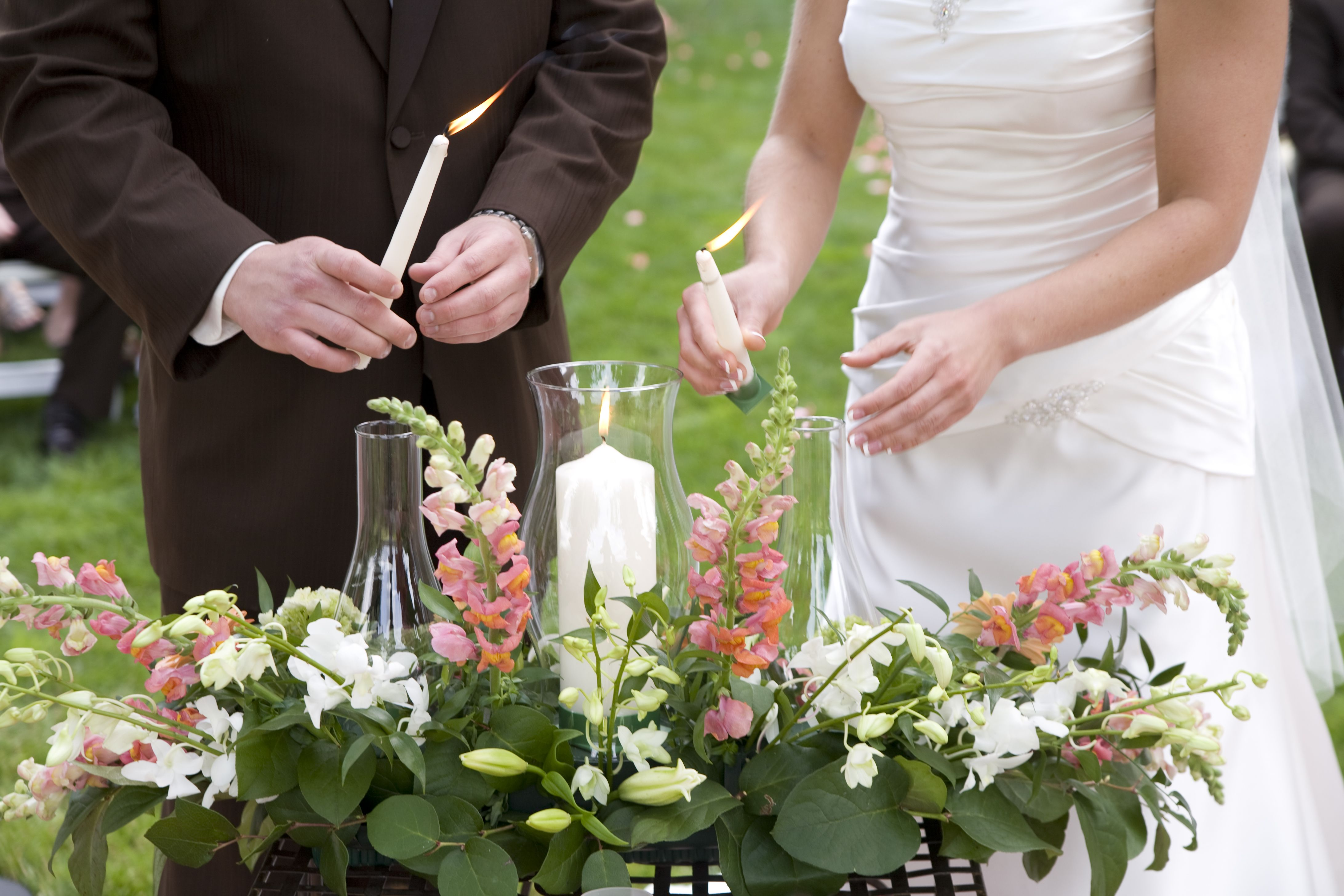 Use A Hurricane Glass Enclosure For The Unity Candle During An Outdoor Ceremony Wedding Candles Italian Wedding Themes Ceremony Candles