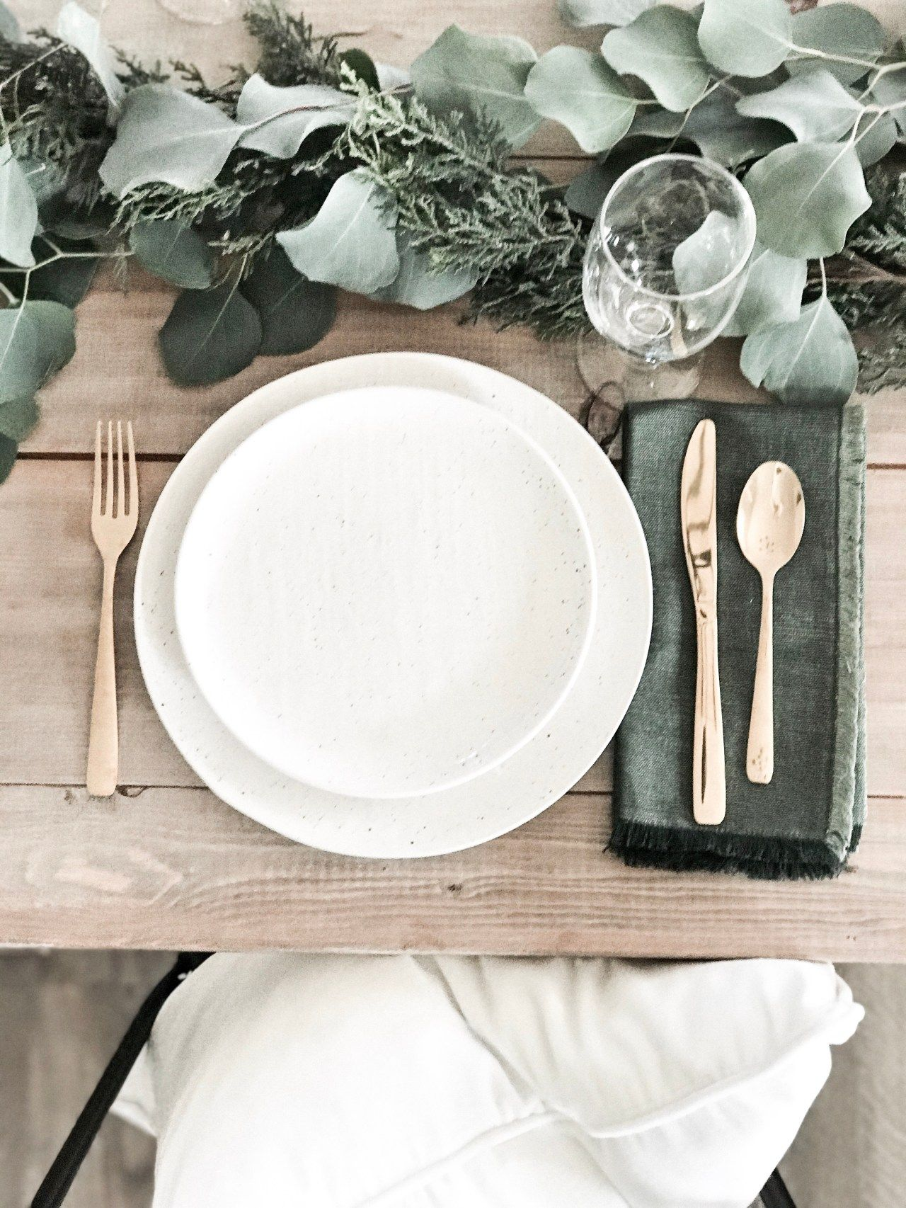 Simple Holiday Table Setting Four Ways Holiday Table