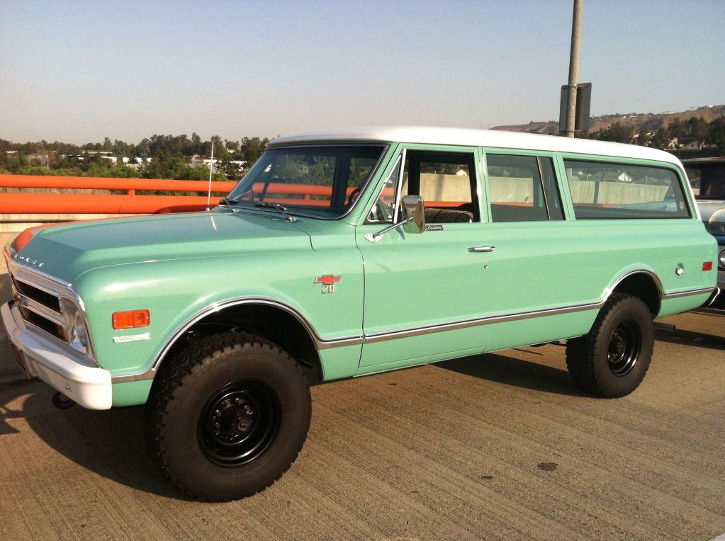 1968 Chevy Suburban 4x4