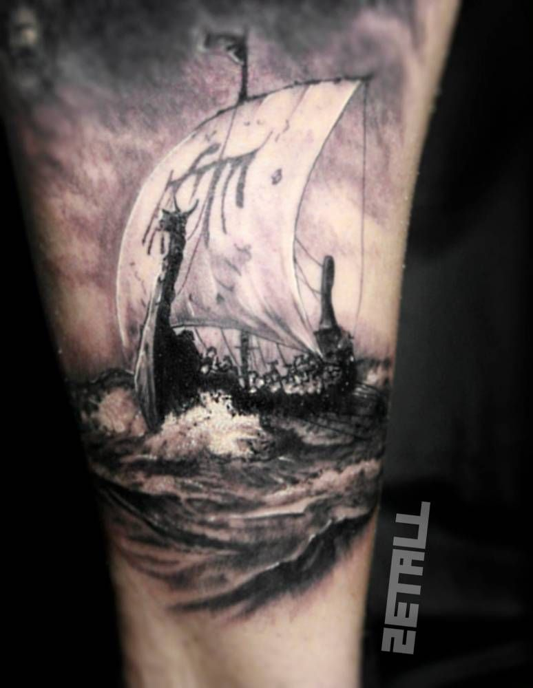 viking ship tattoo on the inner arm tattoos pinterest wikinger tattoo ideen und wikinger. Black Bedroom Furniture Sets. Home Design Ideas