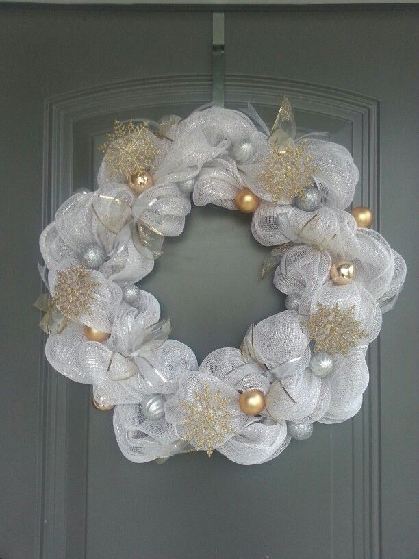 32+ White and gold christmas wreath ideas