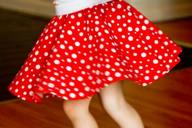 a33468e26 How to Make a Minnie Mouse Skirt   Running Goodies!!   Minnie mouse ...