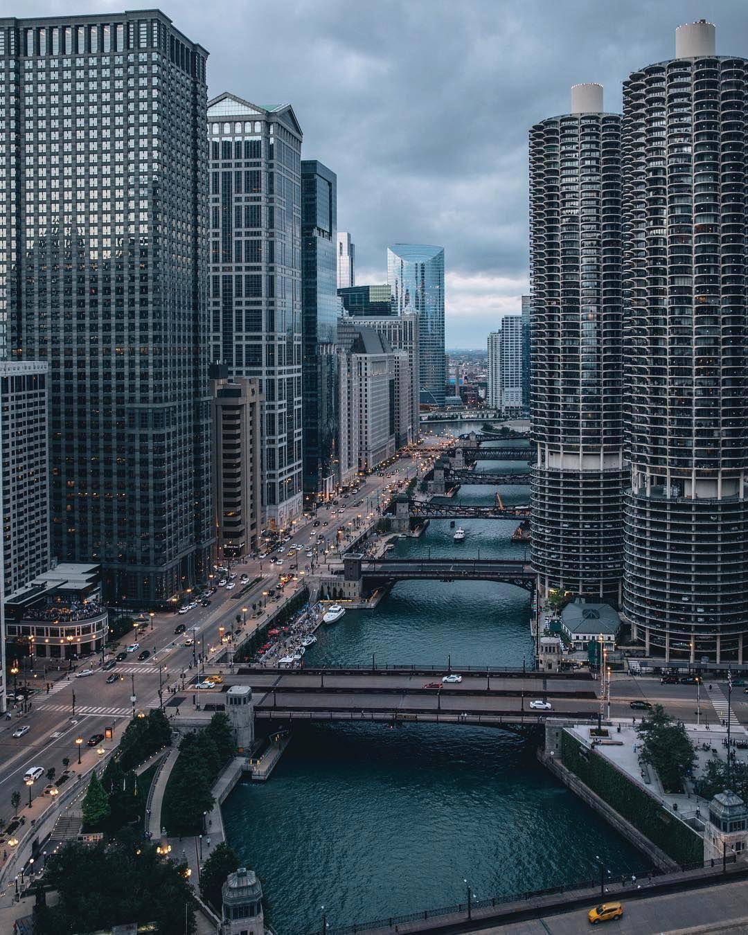 Chicago Skyline, Minimal web design, Chicago