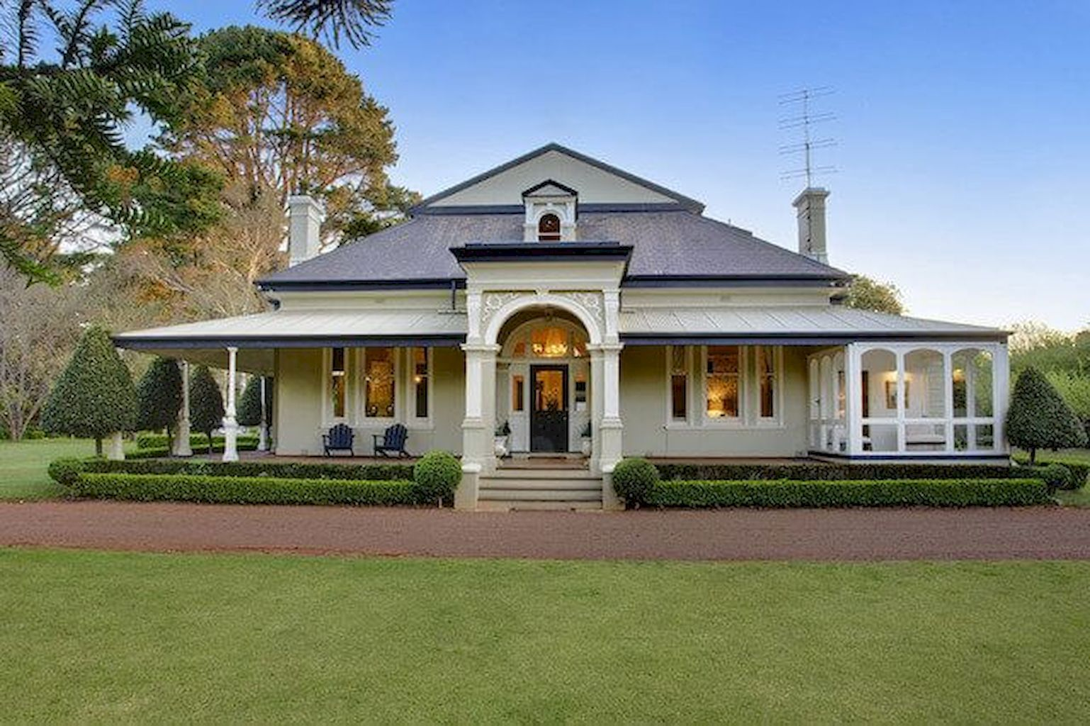 Nice 60 Stunning Australian Farmhouse Style Design Ideas Https Roomadness Com 2017 12 15 60 Stunning Austral Facade House Country House Decor Farmhouse Style