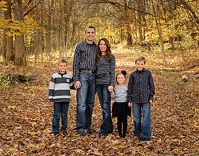 Unique outdoor family family 7b family outdoor picture for Fall family picture ideas outside