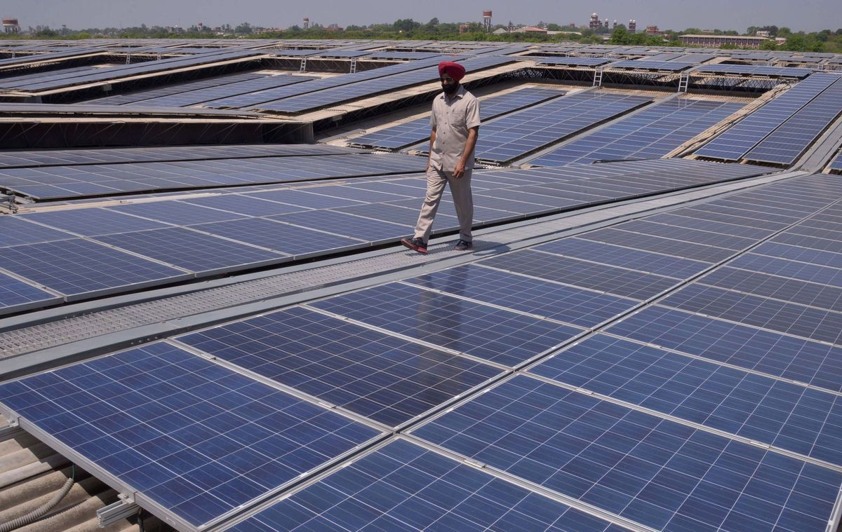 India Inaugurates One Of The World S Biggest Solar Rooftop Power Plants Solar Energy For Home Solar Solar Panels For Home