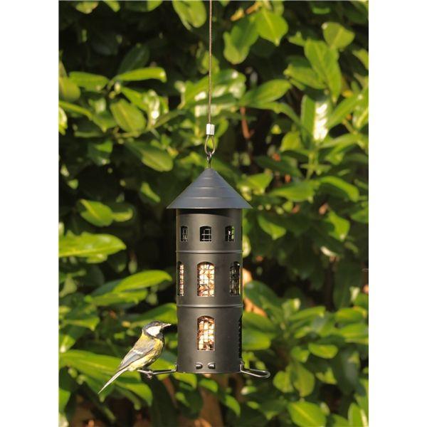 Ruoka-asema linnuille skandinaavisella muotoilulla, joka voidaan täyttää…