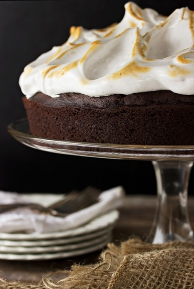 Chocolate Guinness Cake with Cloud Frosting #popcake #dessert
