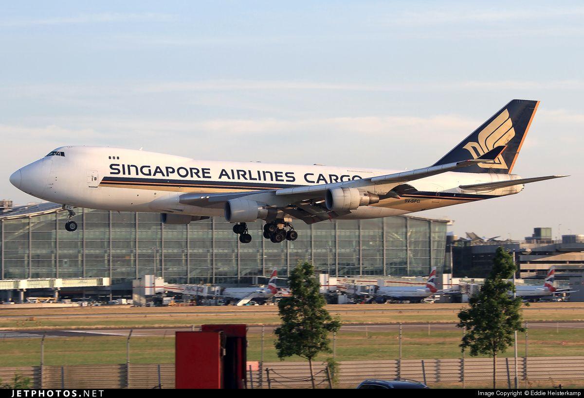 Boeing 747-412F(SCD) 9V-SFG 26558 London Heathrow Int'l - EGLL