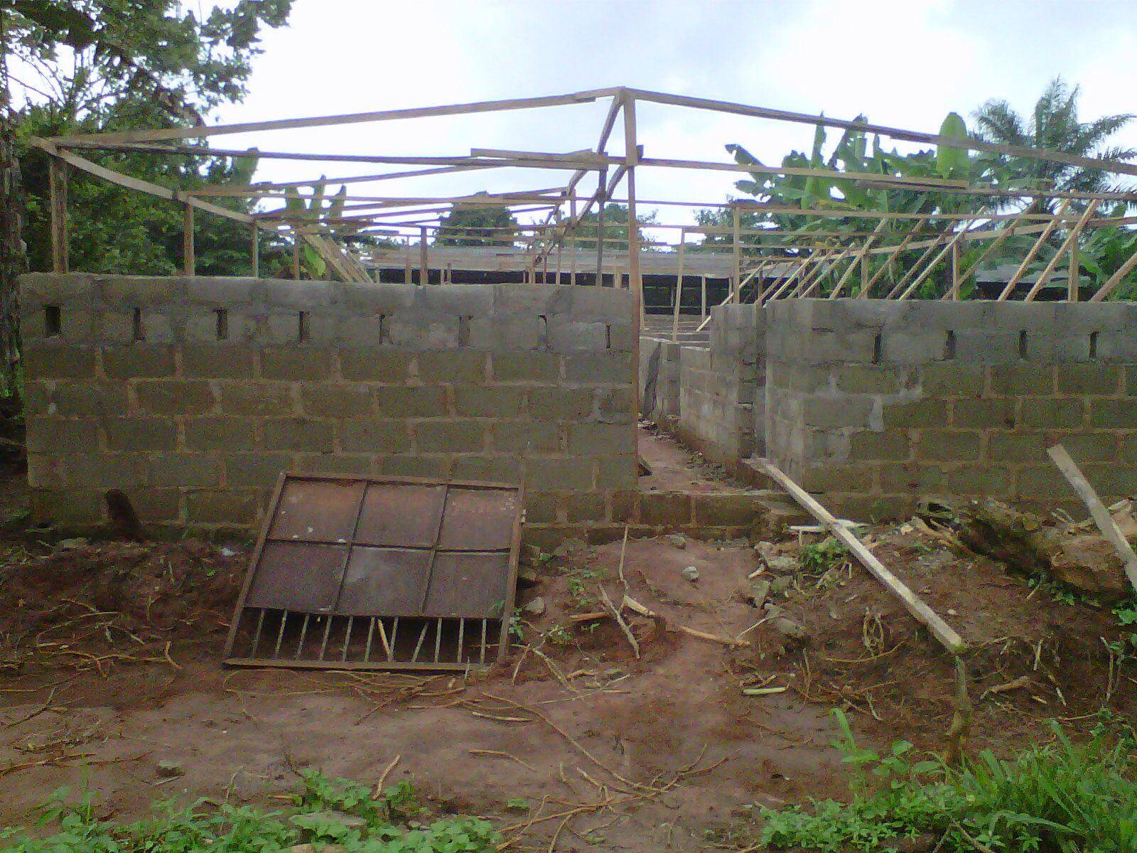 Constructing A Pig Pen No1 Pig Fan In 2020 Pig Farming Philippines House Design Pig House