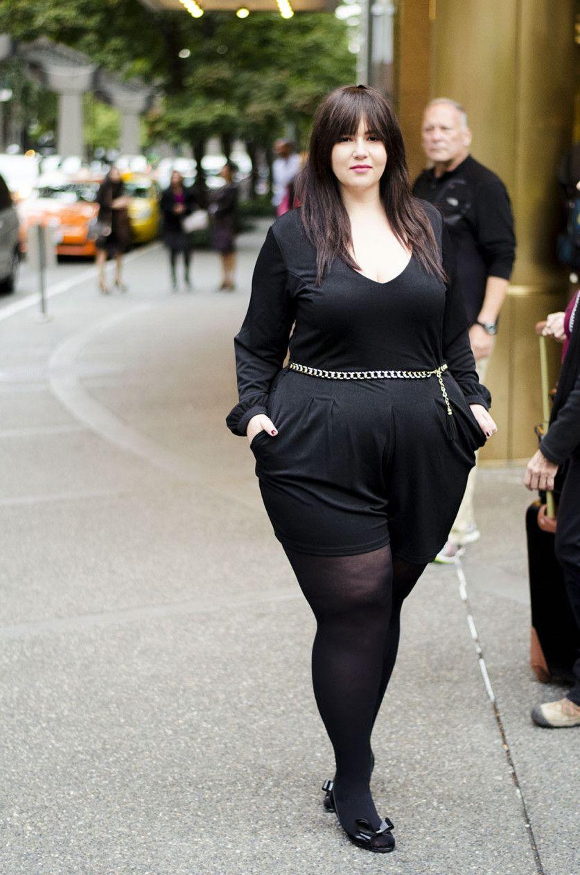 Resultado de imagen de plus size outfits with black opaque tights