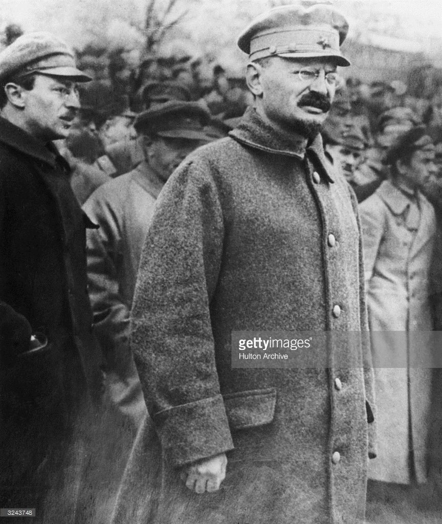 lenin and trotsky in the russian In vladimir lenin's government in the russian revolution, leon trotsky first played the role of commissar for foreign affairs and then the leader of the red army.