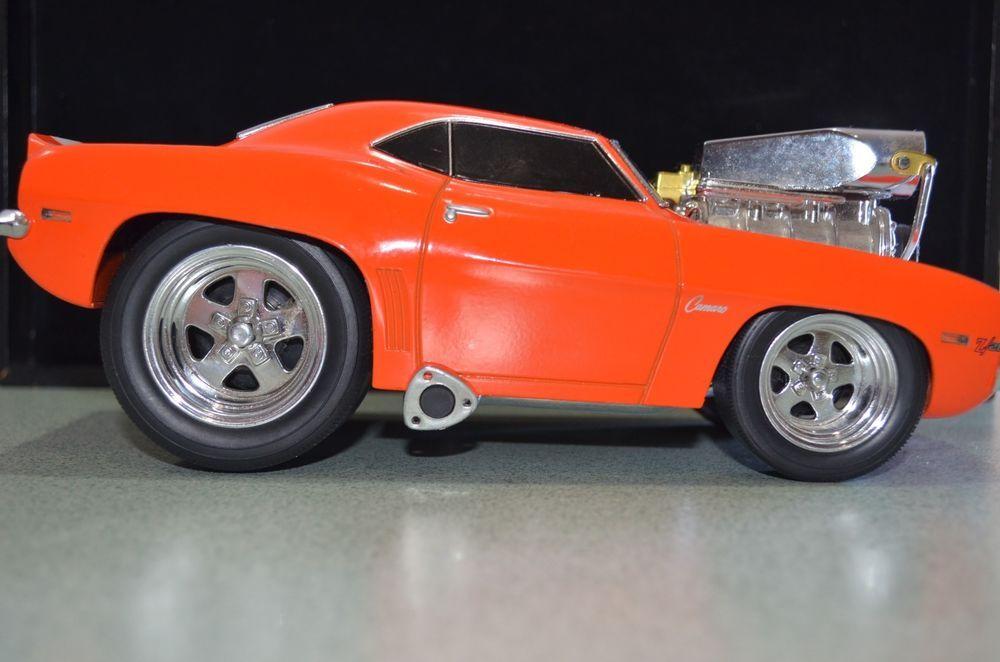 1:18 Camaro Z28 - 2000 Funline Muscle Machines Orange/ White ...