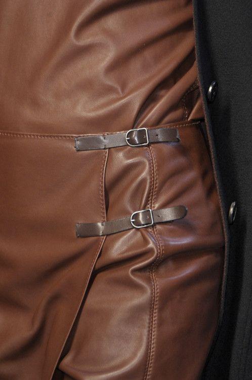 voyagerrr:highqualityfashion:Hermès FW 2010-11 Details