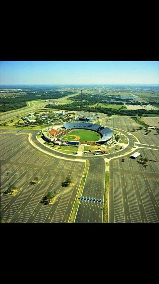 Arlington Stadium Arlington Tx My First Job In The Concession Stand And Then Upgraded To The Parking Lot Deportes Aficiones