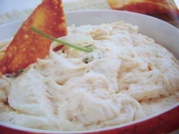 Crab Rangoon Dip - Recipes | Riverbender.com #crabrangoondip