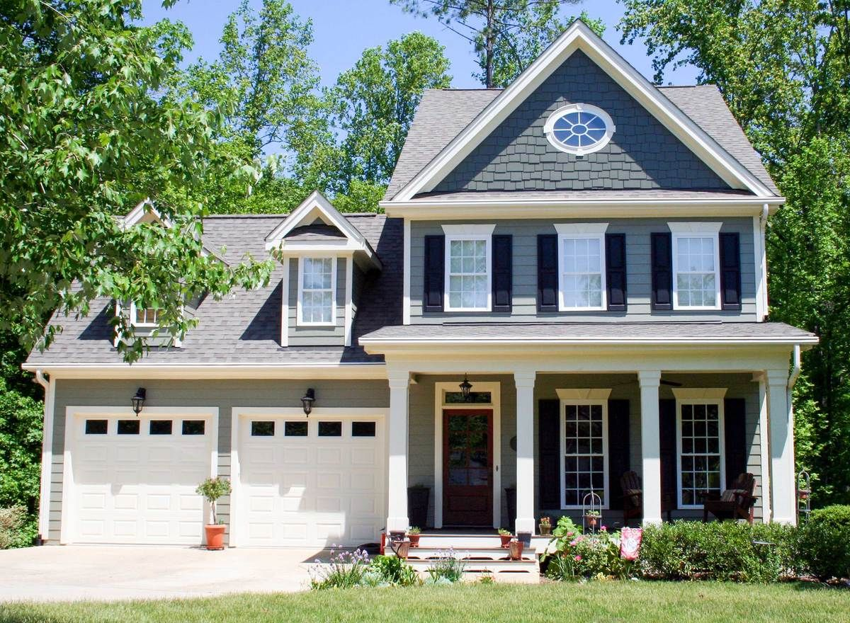 Plan 50635tr Charming 3 Bedroom Colonial House Plan With Rec Room In 2019 Someday Colonial House Plans House Front Porch Colonial House Exteriors