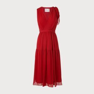ac994e4db398b Homepage - Classy Girls Wear Pearls   FASHION OBSESSED   Pinterest   Dresses,  Silk Dress and Red silk dress