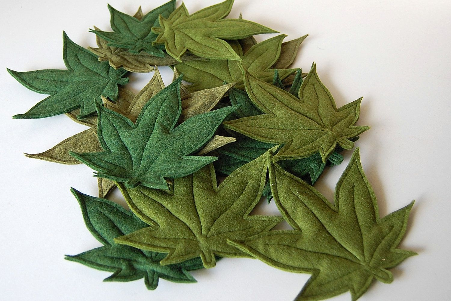 Teeheehee, cannabis Cat Leaf catnip filled toy green felt by lizziebeesthings, $10.00  Could DIY, possibly