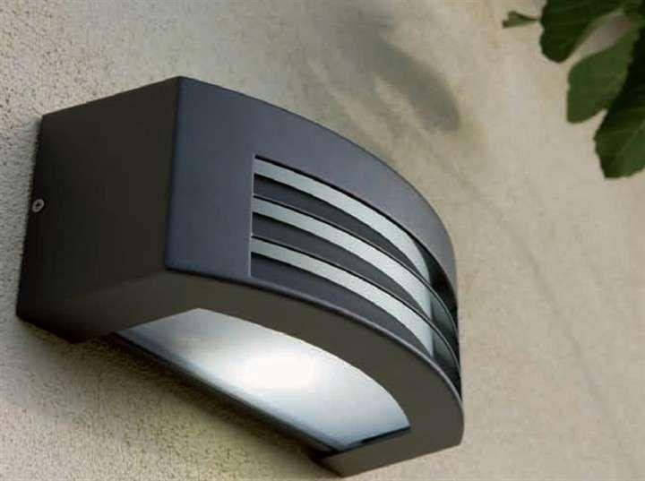 Lampade Da Parete Per Esterni : Lampade da esterno lampada da parete nera