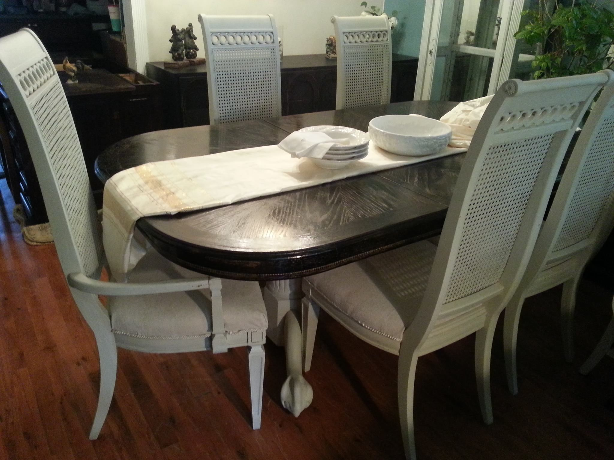 Rustic Table With Vintage Thomasville Chairs With Images Painted Furniture For Sale