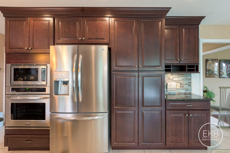 Chester Cherry Kitchen Bold Kitchen Kitchen Cabinets Kitchen