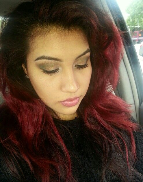 My makeup today. Excuse the messy hair